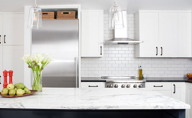 white-porcalein-subway-backsplash-tile